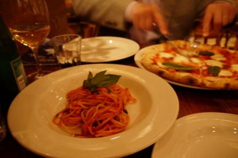 ピザとパスタのTERRONI@トロント_d0129786_1347289.jpg