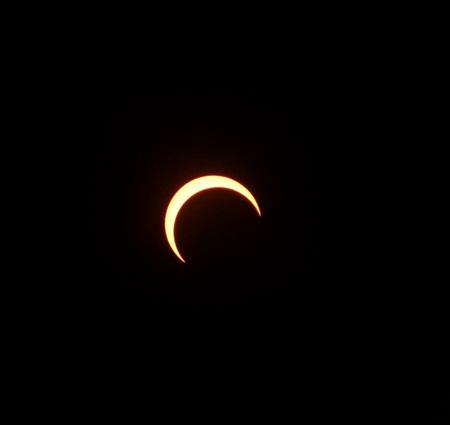 部分日食の優しい光に包まれて♪_a0136293_18594590.jpg