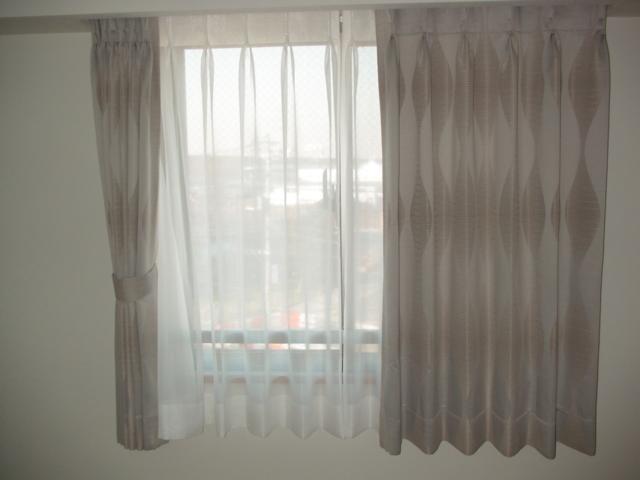 オーダーカーテン、フロアコーティング_e0243413_15322939.jpg