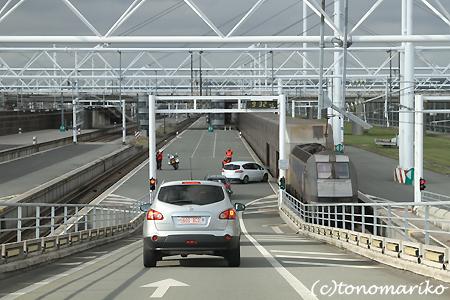 ペットを連れてユーロトンネルでイギリスへ!_c0024345_8542852.jpg