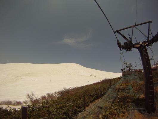 まだまだ雪山_a0142048_15403698.jpg