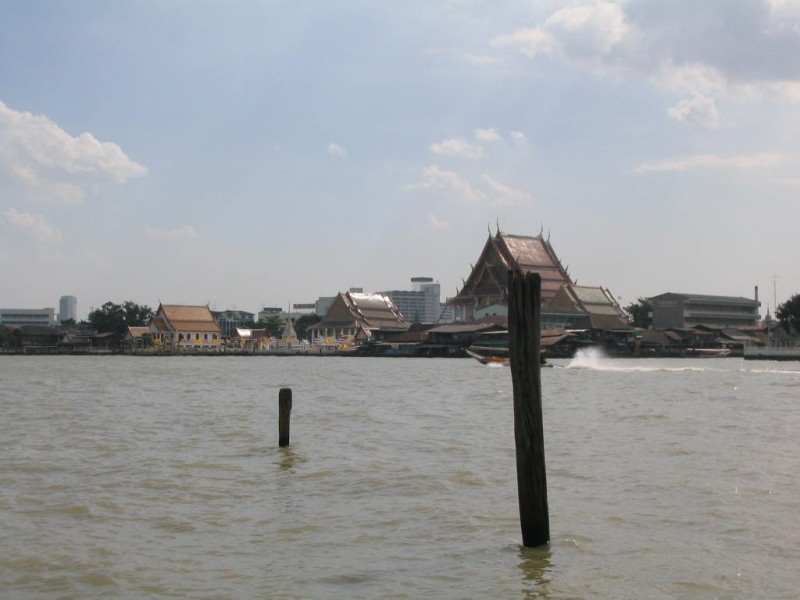 Mae Nam Chao Phraya          ~チャオプラヤ川_d0103566_23551451.jpg