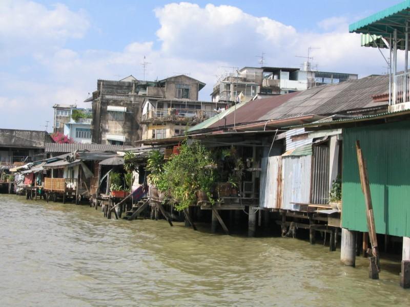 Mae Nam Chao Phraya          ~チャオプラヤ川_d0103566_23561115.jpg