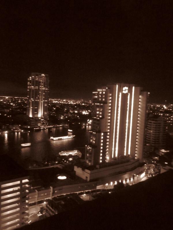 Mae Nam Chao Phraya          ~チャオプラヤ川_d0103566_23564261.jpg