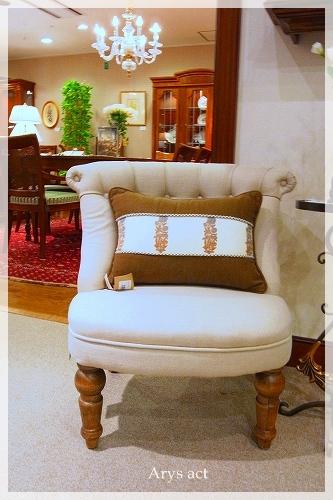 トラディショナル家具_c0243369_23534383.jpg