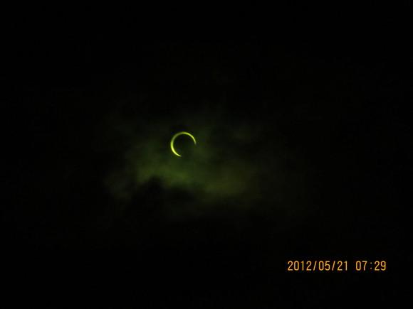 日食とご挨拶_e0175370_21334751.jpg