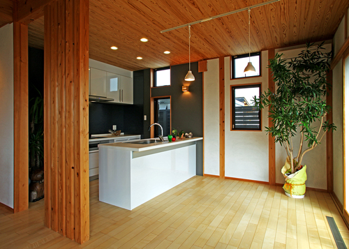 木と壁と・・・!_e0064493_22334443.jpg