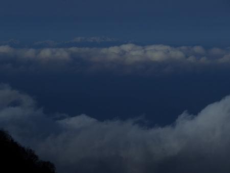 雲海の朝_e0120896_773692.jpg