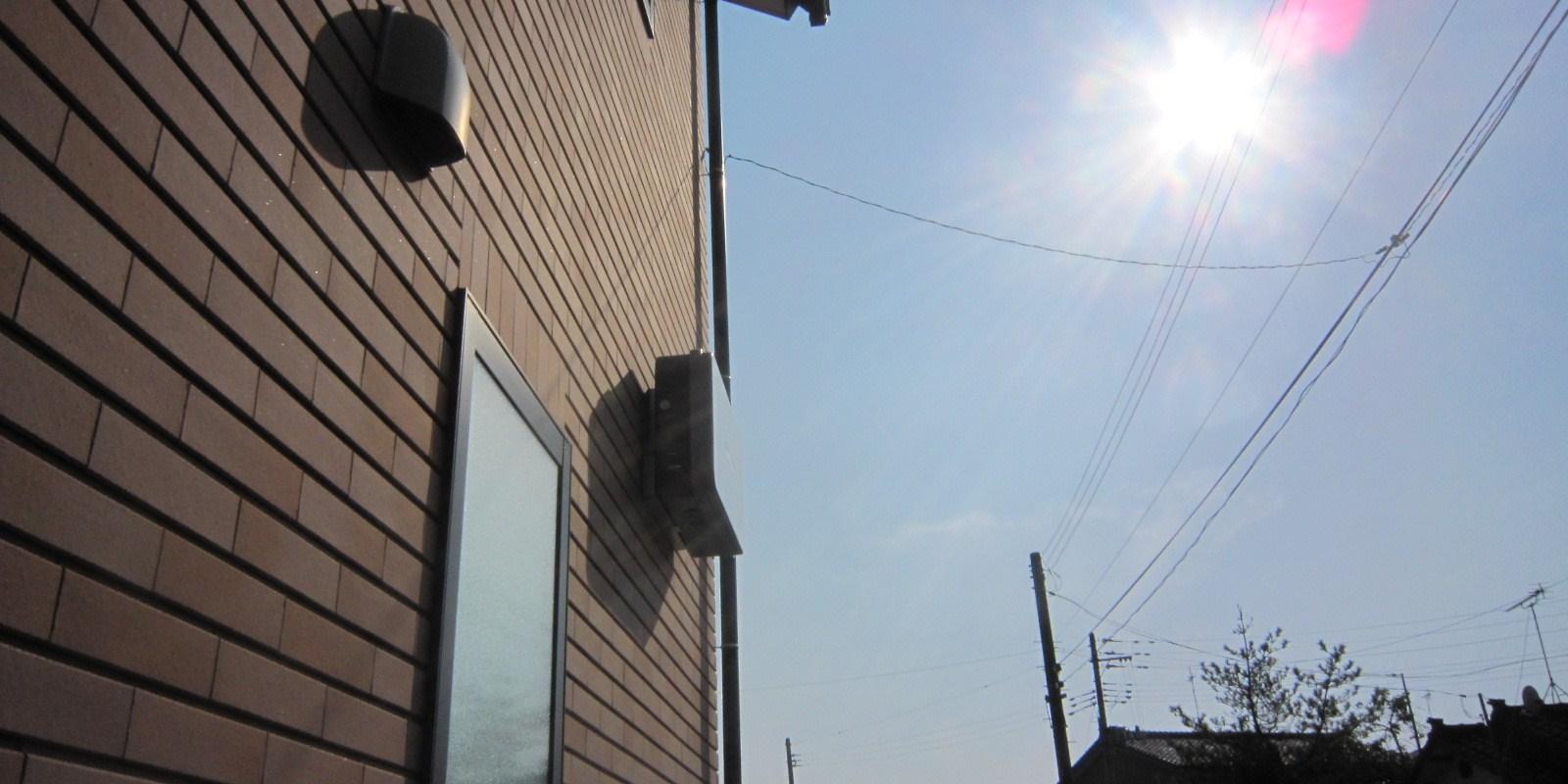 パワコンへの直射日光 : さんさんルル