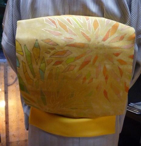 岡山からのお客様・三眠蚕の御召に素敵な帯。_f0181251_19452046.jpg