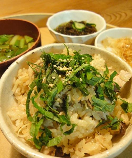 カツオめし、刺盛り、お揚げの葱味噌はさみ焼き_f0054859_20383644.jpg