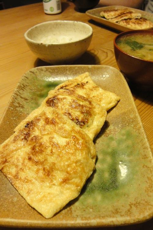 カツオめし、刺盛り、お揚げの葱味噌はさみ焼き_f0054859_20385432.jpg