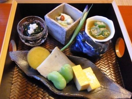 パレスホテル直営 日本料理「和田倉」にて趣ある空間でのひと時_a0138976_1593335.jpg