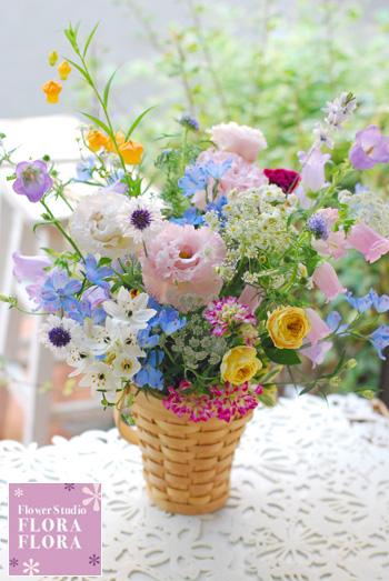 """5月6月フレッシュフラワーワンデイ(体験)レッスン \""""野の花バスケット\""""_a0115684_155247.jpg"""
