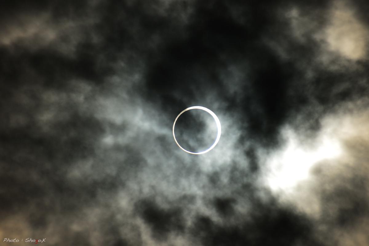 月と太陽が重なる時_f0186496_0562580.jpg