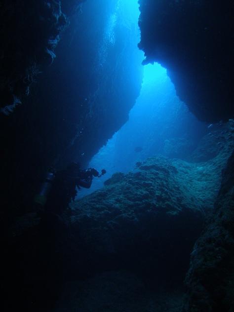 5月24日残波の洞窟に、青の洞窟♪_c0070933_202838.jpg