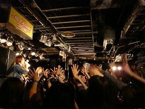 ViViDオリコンウィークリー6位の新曲初披露!待望の1st ALBUM発売決定!_e0025035_1105920.jpg