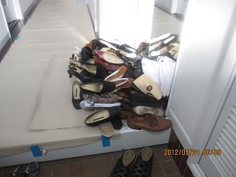 素晴らしく綺麗になったカーテンと靴の整理_a0279743_1648437.jpg