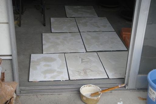 棚板を修理する_e0226943_0575669.jpg