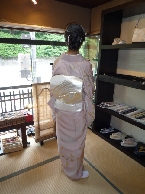 加藤ますえさん・素敵な日傘とお洒落な装い。_f0181251_15182563.jpg