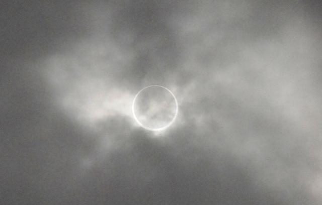 パワースポット三原山・裏砂漠での奇跡の金環日食体験_b0053082_6325487.jpg