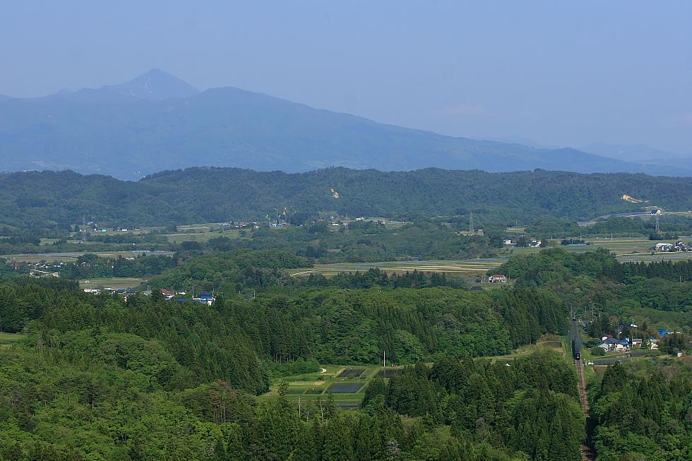 新緑と磐梯山 - 2012年・磐越西線 -_b0190710_018313.jpg