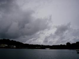 曇りのち雨のち曇り…でもいつか晴れ!_a0043520_18522716.jpg