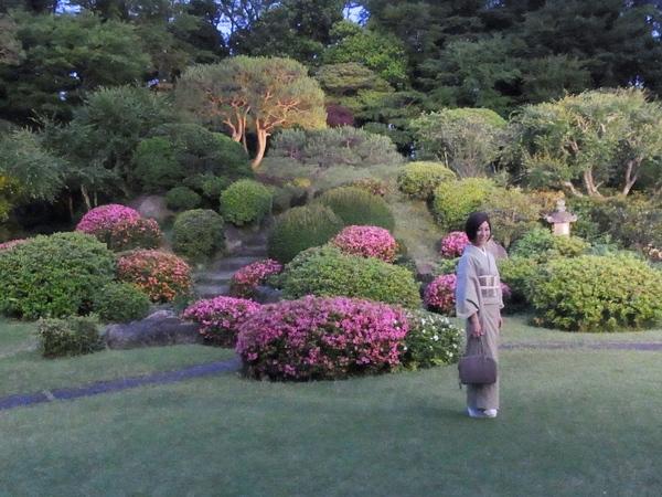 港区の名勝、国際文化会館の庭園の夕べ_a0138976_18503285.jpg