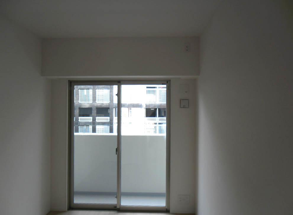白いマンションを少し変える仕事_f0171785_14491548.jpg