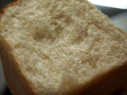 湯種もポーリッシュ種も使わずなもちもち食パン_e0167593_1322693.jpg