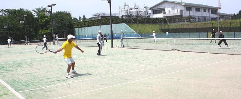 シニアテニスの交流大会に参加_b0114798_10165391.jpg