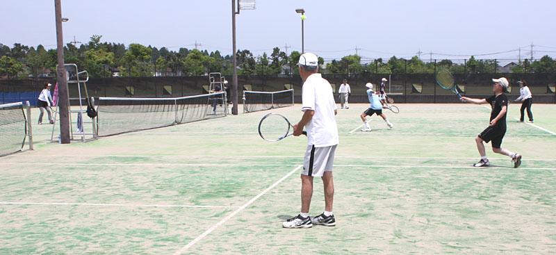 シニアテニスの交流大会に参加_b0114798_10201290.jpg