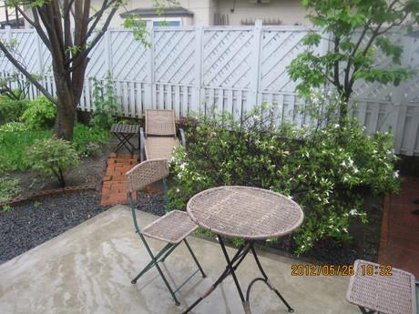 今日は雨_a0279743_11222130.jpg