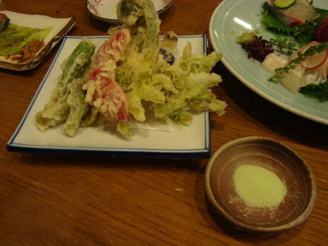 新宿「酒処 吉本」へ行く。_f0232060_12574556.jpg
