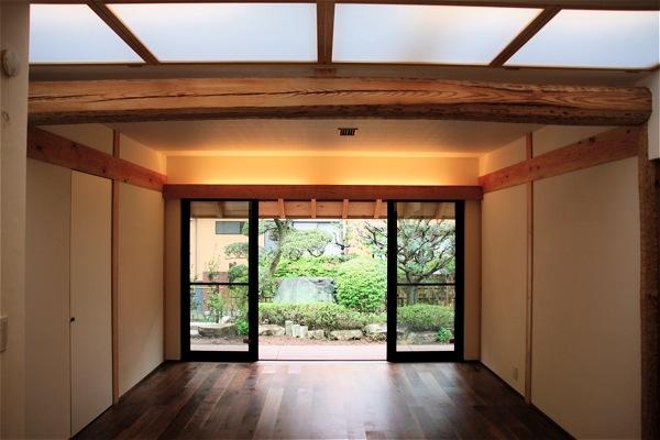 「聖蹟桜ヶ丘の家」アプローチ・玄関・居間_f0230666_13282759.jpg