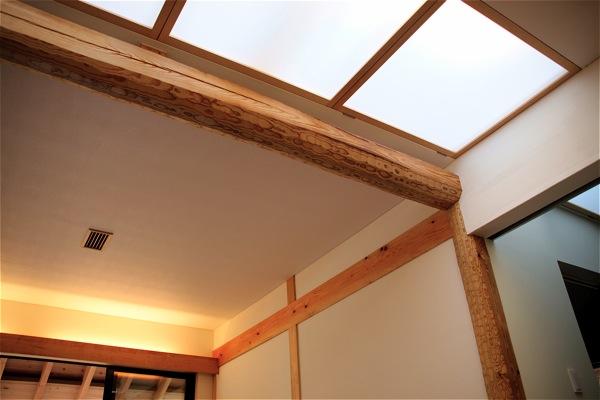「聖蹟桜ヶ丘の家」アプローチ・玄関・居間_f0230666_1328395.jpg