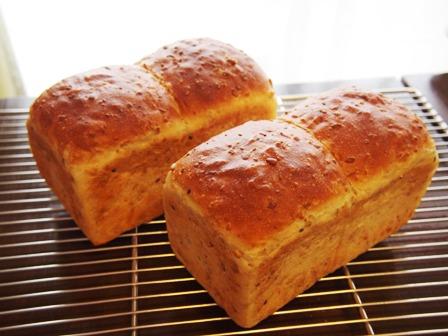 食パンって奥が深い・・・_e0167593_02237.jpg