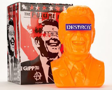 Gipper Reagan Bust in Orange by Kozik_e0118156_2355881.jpg