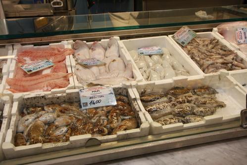 イタリア紀行  NOVE  中央市場、メジチ家礼拝堂、ポンテベッキオ_a0194908_9532584.jpg