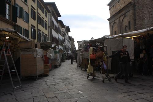 イタリア紀行  NOVE  中央市場、メジチ家礼拝堂、ポンテベッキオ_a0194908_954551.jpg