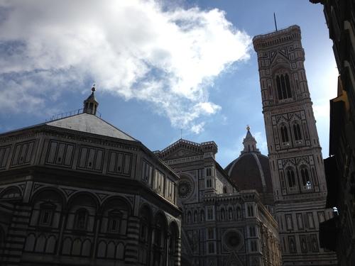 イタリア紀行  NOVE  中央市場、メジチ家礼拝堂、ポンテベッキオ_a0194908_955175.jpg