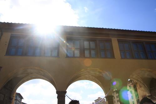 イタリア紀行  NOVE  中央市場、メジチ家礼拝堂、ポンテベッキオ_a0194908_9562535.jpg