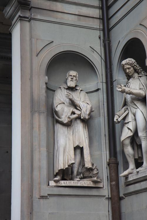 イタリア紀行  NOVE  中央市場、メジチ家礼拝堂、ポンテベッキオ_a0194908_9572440.jpg