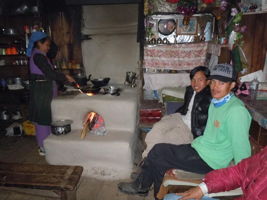 2012年5月 I Love Nepal. ネパールヒマラヤ再訪記(ランタン谷トレッキング)No.2_c0219616_2136481.jpg