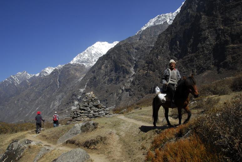 2012年5月 I Love Nepal. ネパールヒマラヤ再訪記(ランタン谷トレッキング)No.2_c0219616_2138486.jpg