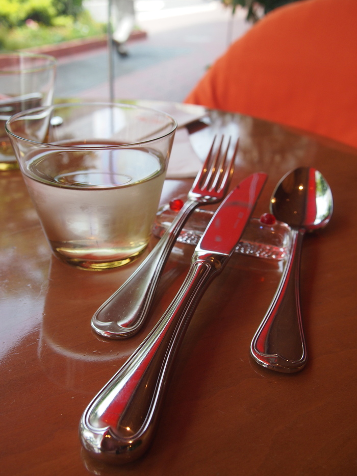 パリに行きたい〜  のを我慢して ランチは フレンチ ❤ Le 6eme Sens の Cafe_f0062122_022478.jpg