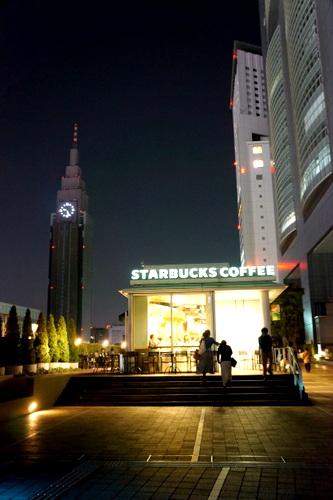 Living Next to Shinjuku Station _c0201334_8314158.jpg