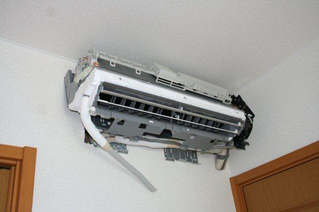 2室マルチエアコンの入替(東京都世田谷区)_e0207151_1930485.jpg