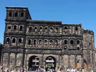 Trier トリーアへ_e0195766_6182395.jpg