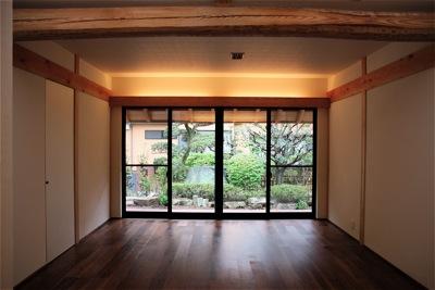 「聖蹟桜ヶ丘の家」雪見障子_f0230666_9315469.jpg